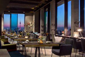 skykitchen-restaurant-berlin-interior-view-1-low